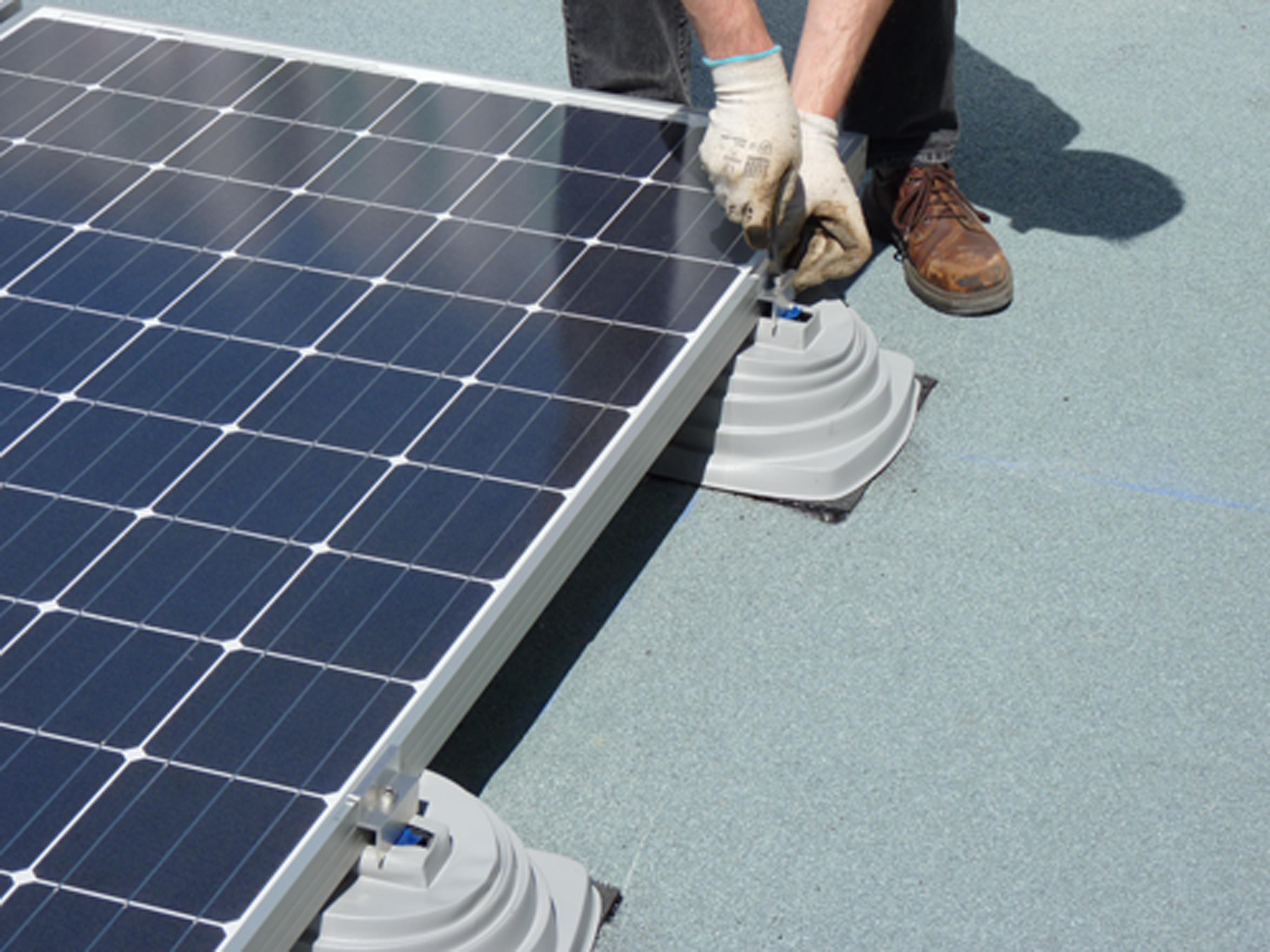 une nouvelle solution d tanch it photovolta que solardis batipresse. Black Bedroom Furniture Sets. Home Design Ideas