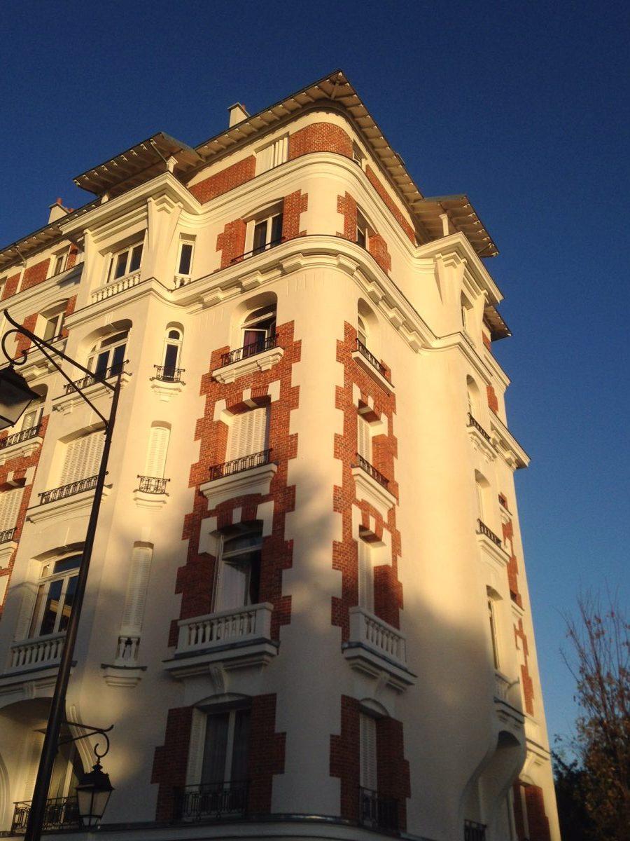 Bourg-la-Reine : Nettoyage des briques (VEGA 10).
