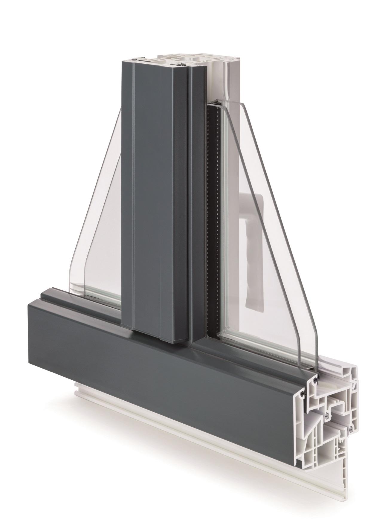 LOMNIA offre de grandes qualités d'isolation acoustique, ainsi qu'à l'air, à l'eau, et au vent, grâce à ses trois joints d'étanchéité, protégeant ainsi les habitants des nuisances extérieures. Ce nouveau concept d'étanchéité apporte également une pression de fermeture optimale.