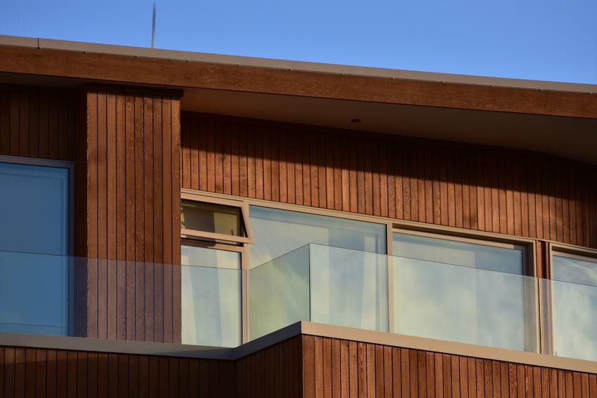 Le bardage de bois : la solution rénovatrice des revêtements extérieurs