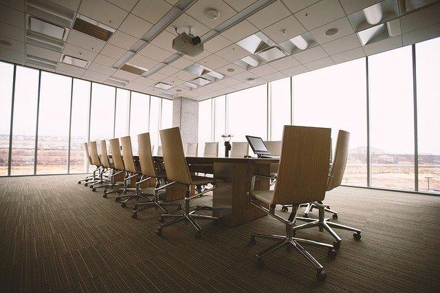Optimiser la luminosité et l'éclairage dans les bureaux professionnels